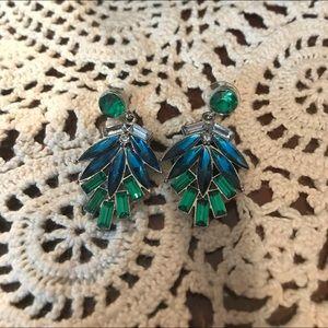 Women's vintage jewelry